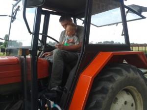 Rolnik sam w dolinie3